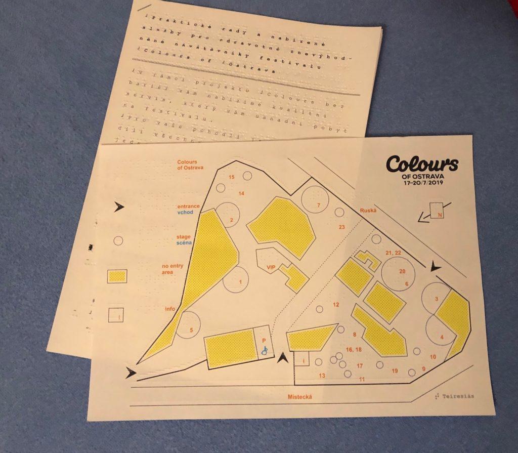 Haptická mapa areálu festivalu a informace v Braillově písmu